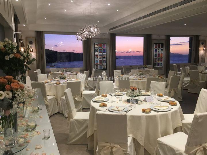 Nozze al ristorante con tramon