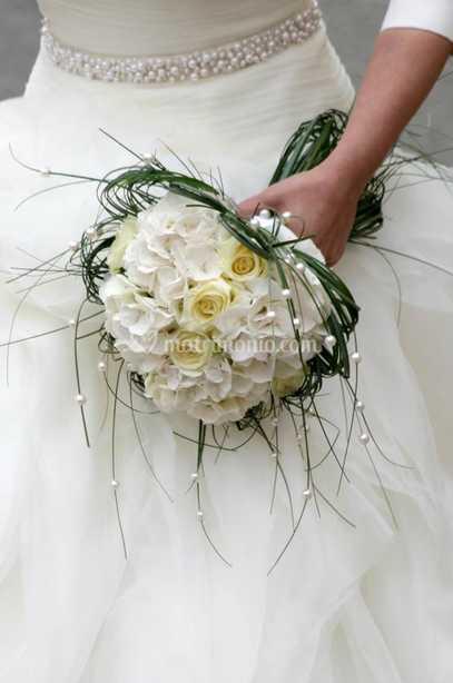 Bouquet Sposa Con Perle.Bouquet Rose E Perle Di I Fiori Della Corte Foto 6