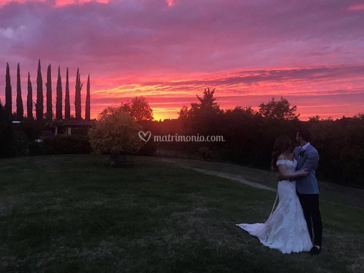 Gli sposi e il tramonto