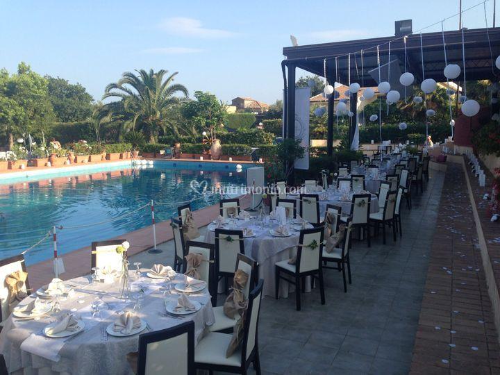 Matrimonio a bordo piscina di ristorante costaraba foto for Matrimonio bordo piscina