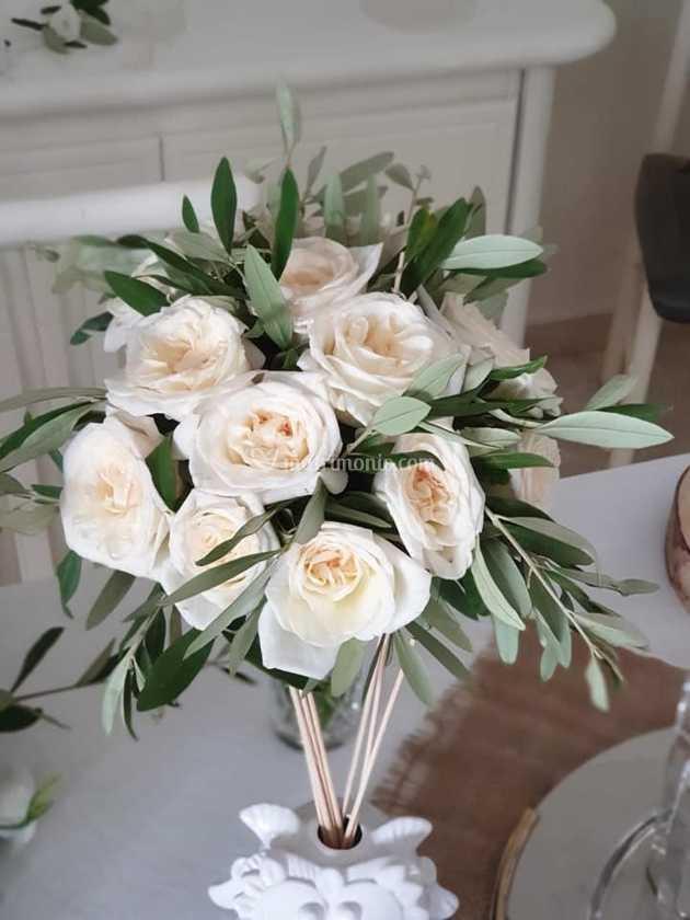 Bouquet Sposa Ulivo.Rose Ohara E Ulivo Di Fioreria Padre Pio Foto 22