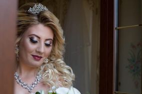 Tanya Merra Make Up and Hair