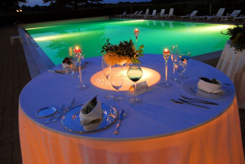 Notturno bordo piscina