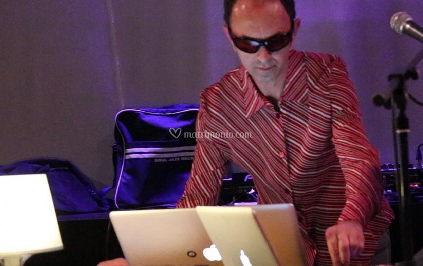 Roberto Samperi Live Remix
