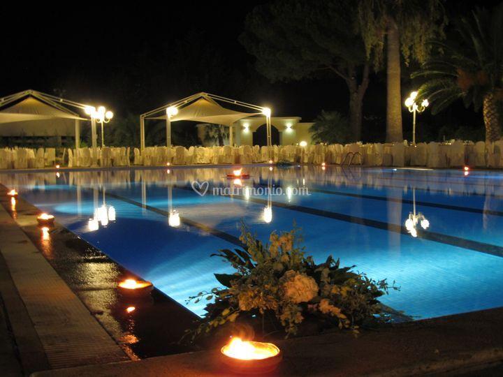 Piscina di club hotel kennedy roccella foto 6 for Piscina kennedy