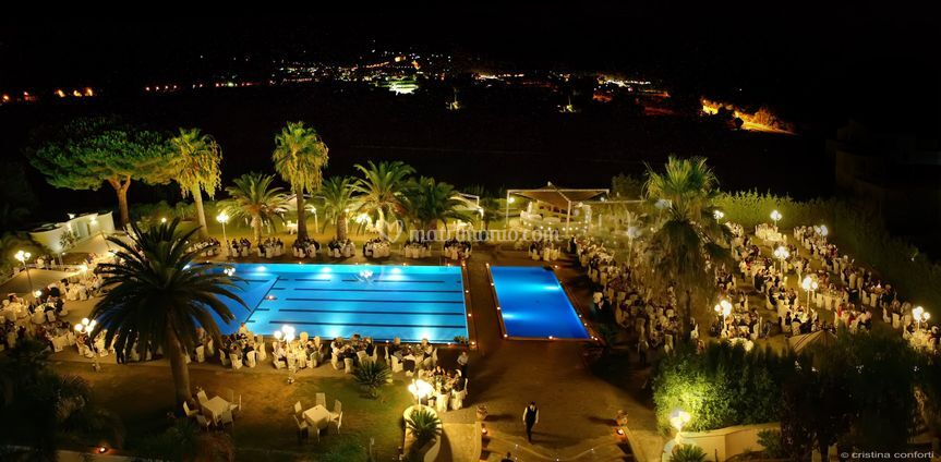 Club hotel kennedy roccella for Piscina kennedy