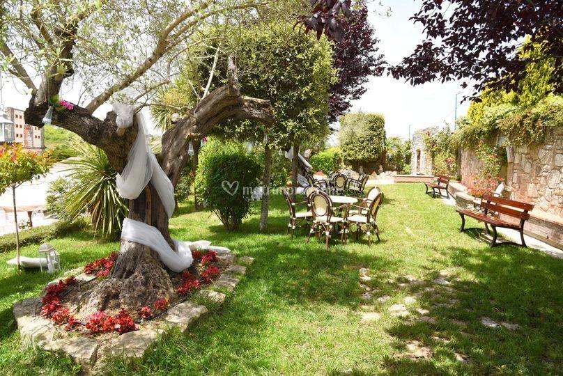 I giardini shabby chic di villa antico mulino foto