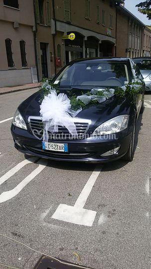 Mercedes addobbata