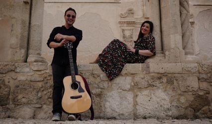 Acustica Duo Live