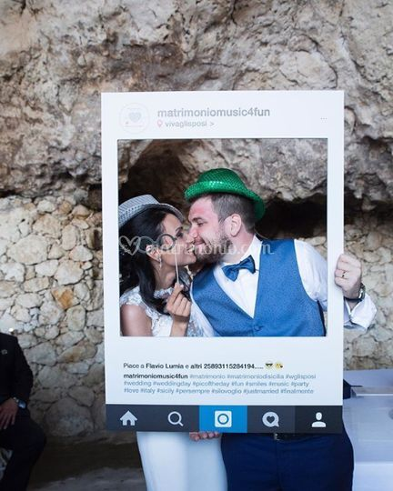 Cornice photo booth