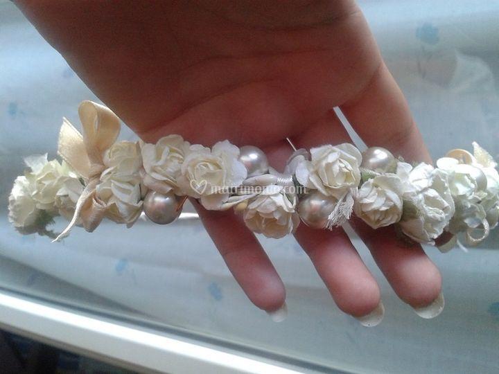 Perle, fiori e nastrini