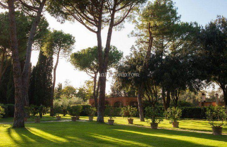 Relais appia antica - Giardini curati ...