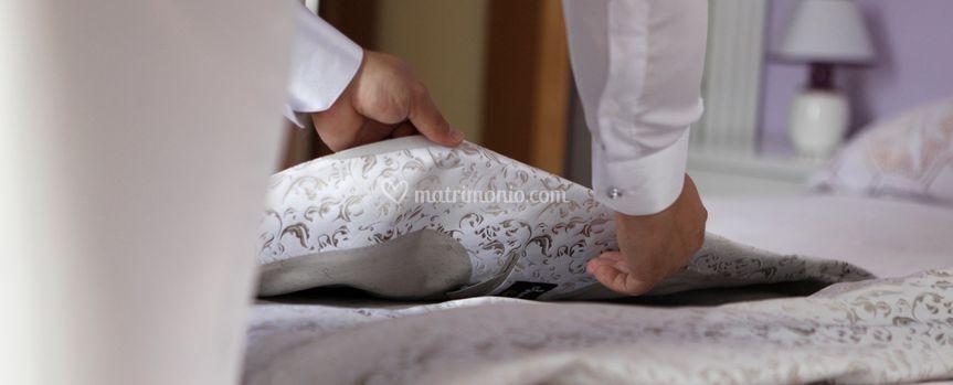 ...la vestizione dello sposo