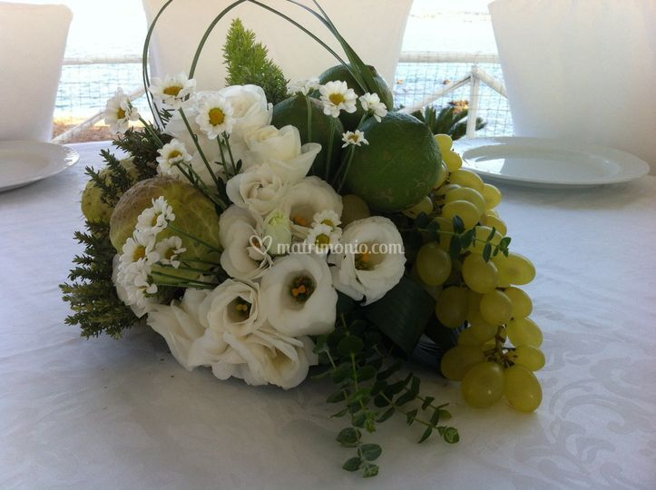 Tin fiori giardini - Centro tavola con frutta ...