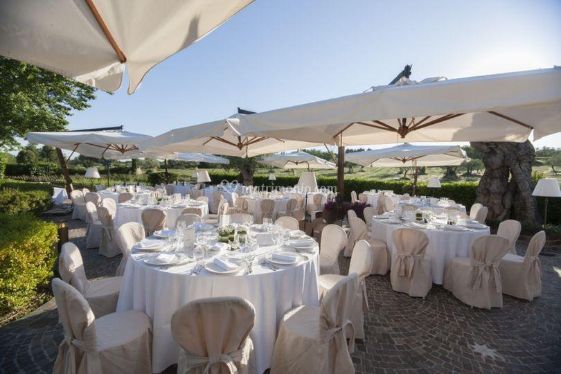 Locanda I Girasoli Matrimonio : Allestimento per nozze in giardino di locanda i girasoli