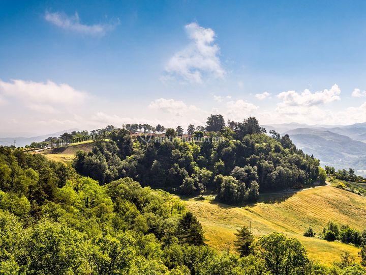 Il borgo e le sue colline