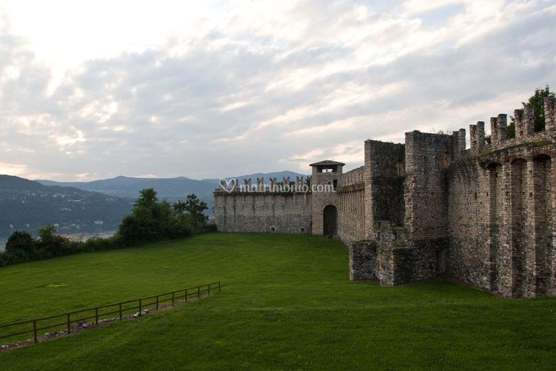 Rocca di Angera (esterno)