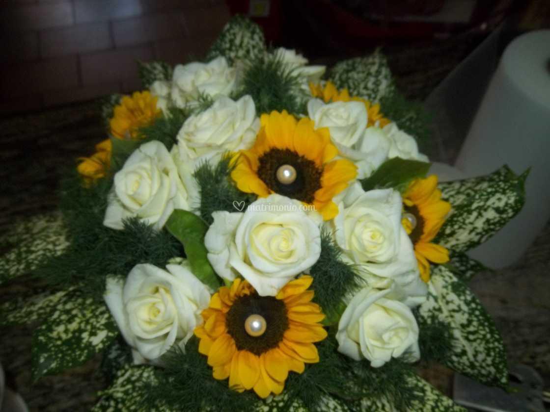 Fiori 50 Anni Matrimonio.Bouquet Girasoli E Rose Di L Orchidea Foto 3