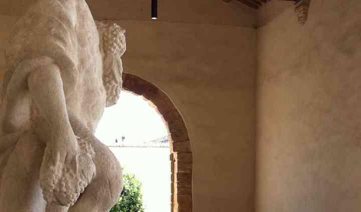 Statua portico