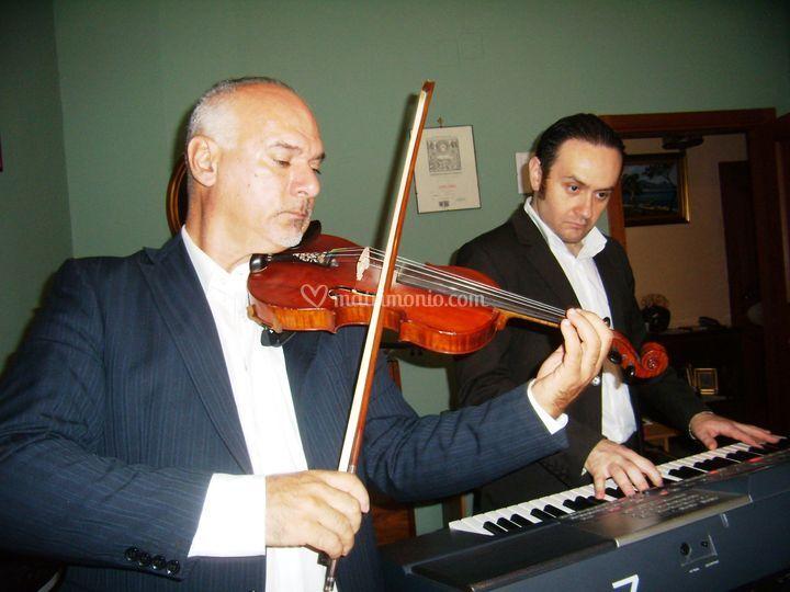 Luca Orsi in duo con Violino