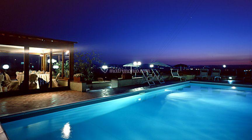 Relais villa petrischio for Piscina 1 20