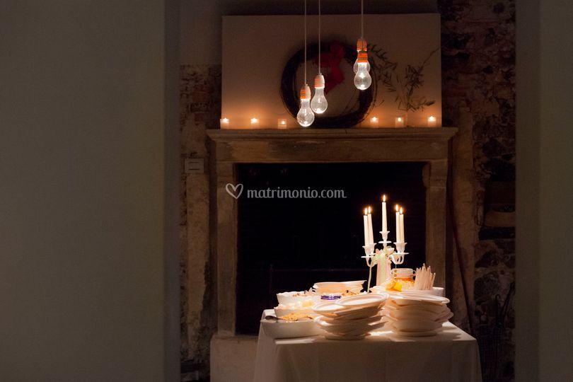 Sala cucina rustica con camino