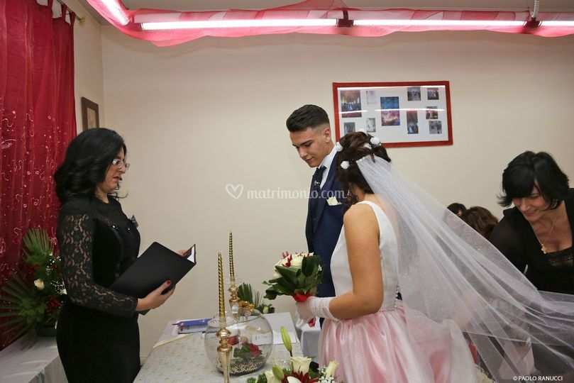 Celebrante Matrimonio Simbolico Roma : Celebrante matrimoni civili e simbolici
