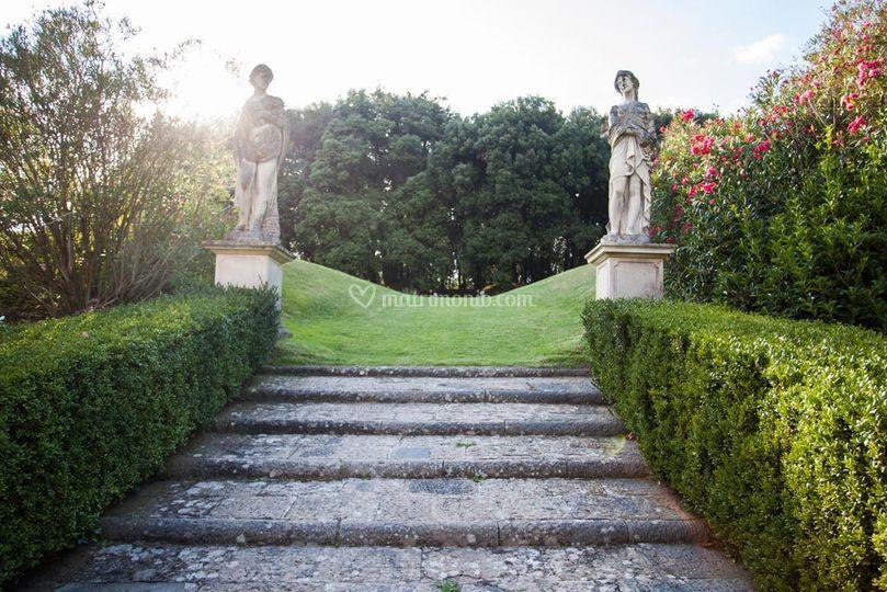 La scalinata per il giardino