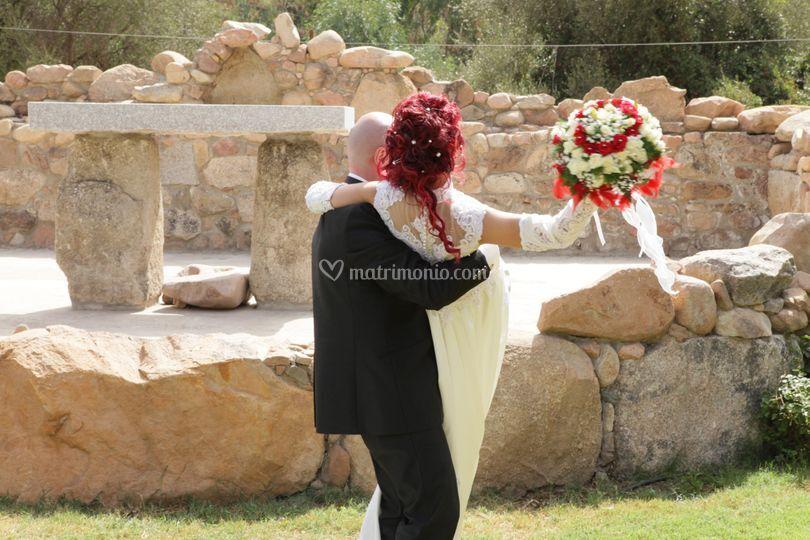 Sposi e bouquet sposa