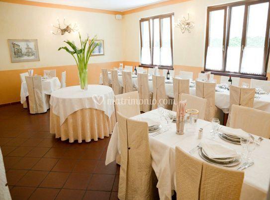 Allestimento tavoli di ristorante osteria villa tara foto 5 for Tara ristorante milano