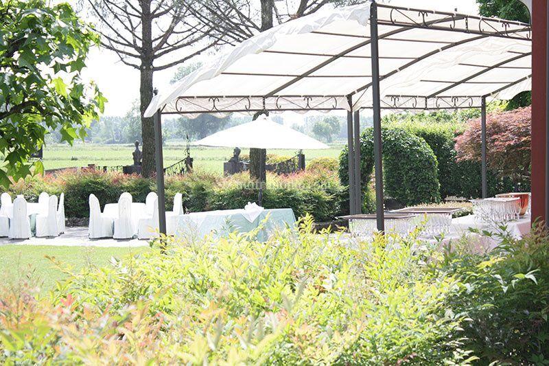 Il giardino di ristorante osteria villa tara foto 13 for Tara ristorante milano