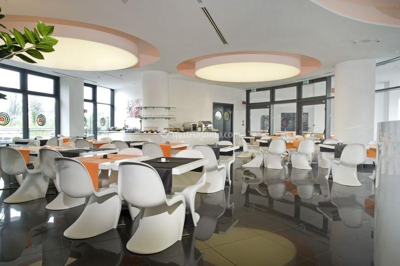 Zona colazione di amat design hotel foto 1 for Hotel amati bologna