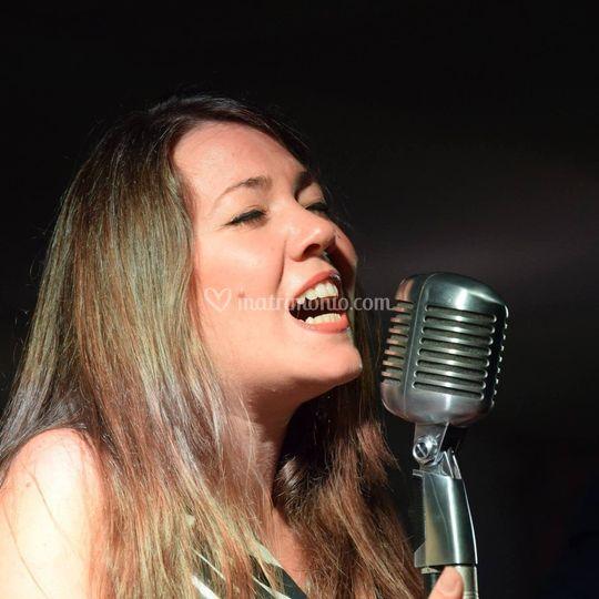 Vocalist live