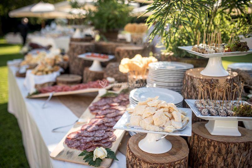 Buffet Rustico Matrimonio : Aperitivi dal sapore rustico di villa zanchi foto