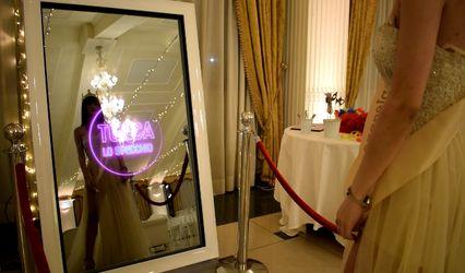 Selfie Guest Mirror
