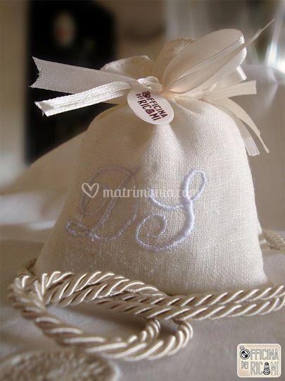 Tessuto: lino bianco - Motivo: bianco su bianco