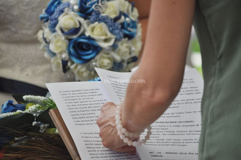 Certificato Matrimonio Simbolico : Matrimonio simbolico di celebrante cerimonia simbolica rossana