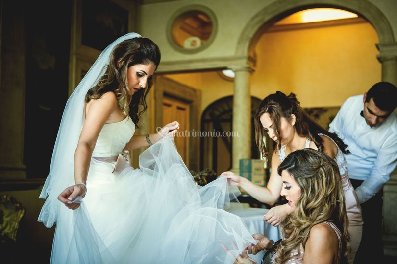 Jihan and her bridesmaids