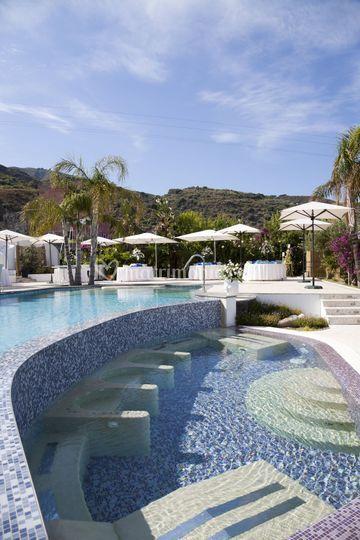 Hotel mea lipari for Matrimonio bordo piscina