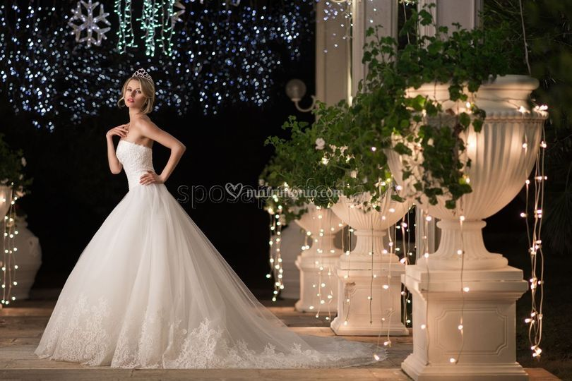 832ca350ea7b Sposa Perfetta. Galleria fotografica di Sposa Perfetta