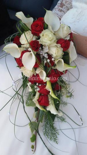 Mazzo sposa con rose rosse