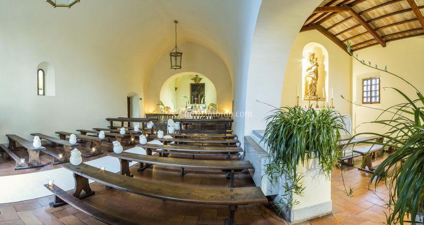 La chiesa per oltre 100 ospiti