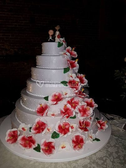 Wedding cake con hibiscus