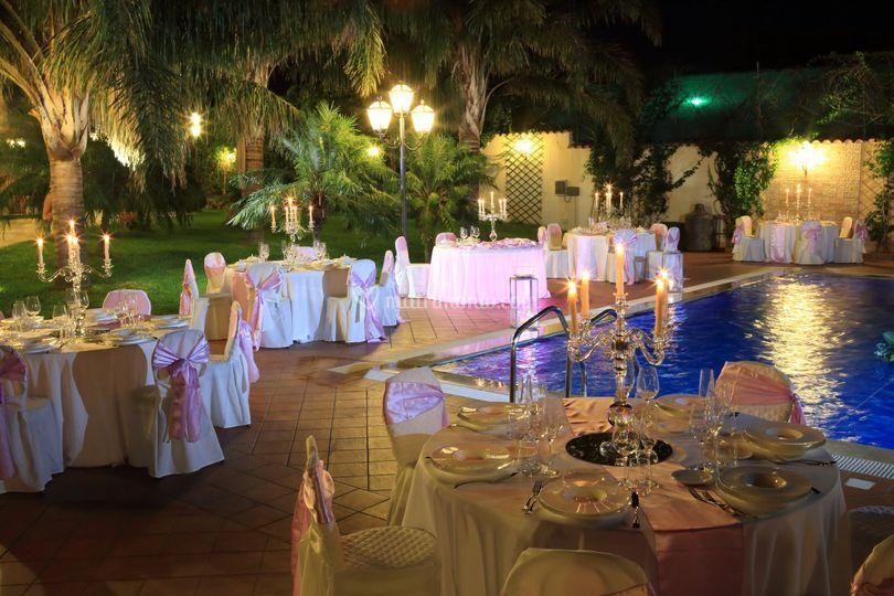 Matrimonio a bordo piscina di villa randazzo foto 20 for Matrimonio bordo piscina