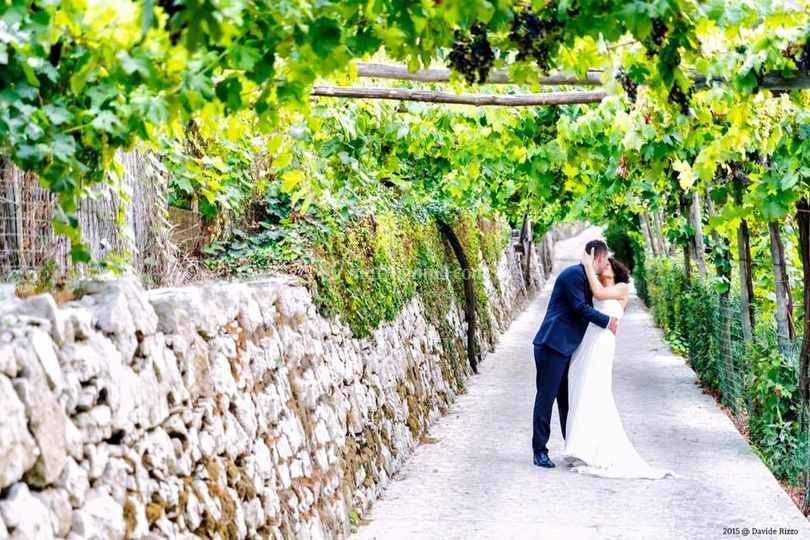 Sposi tra vigneti