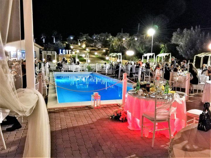 Parco dei normanni for Cena in piscina