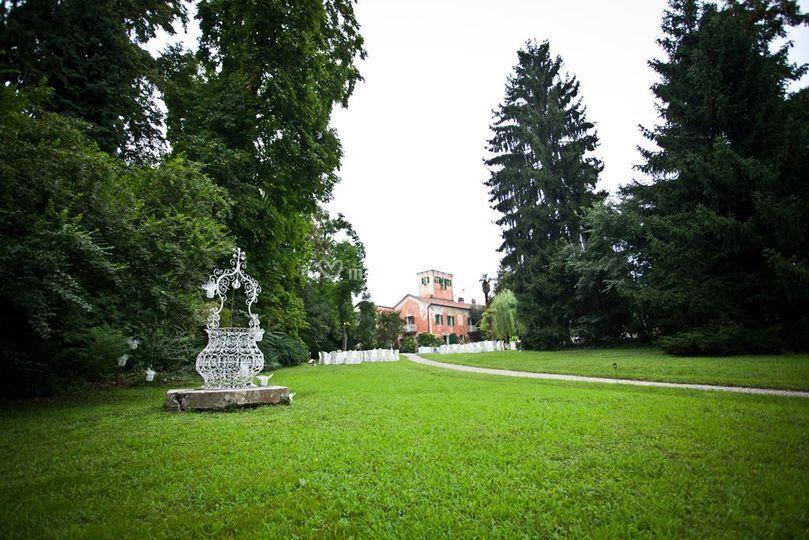 Giardino e vista sulla villa