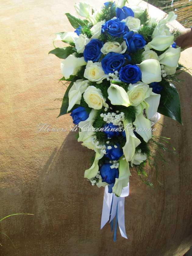 Bouquet Sposa A Goccia.Bouquet A Goccia Rose Blu Di Flowers Foto 94