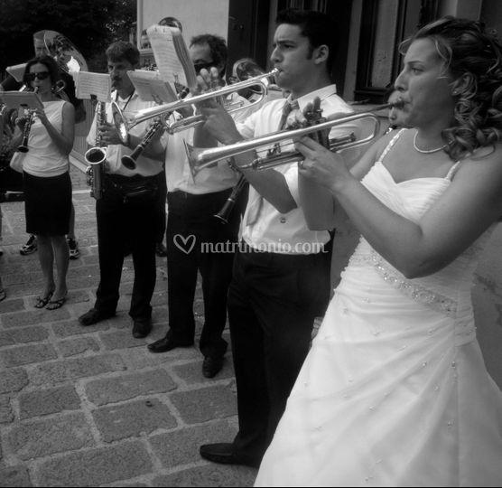 La sposa e la banda