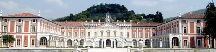 Facciata Villa Fenaroli di Villa Fenaroli